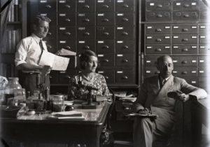 Joyce Allan with colleagues Gilbert Whitley(left) and Ellis Troughton, Australian Museum circa 1930.Australian Museum Archives AMS514_VA97_6. Reproduction Rights Australian Museum.